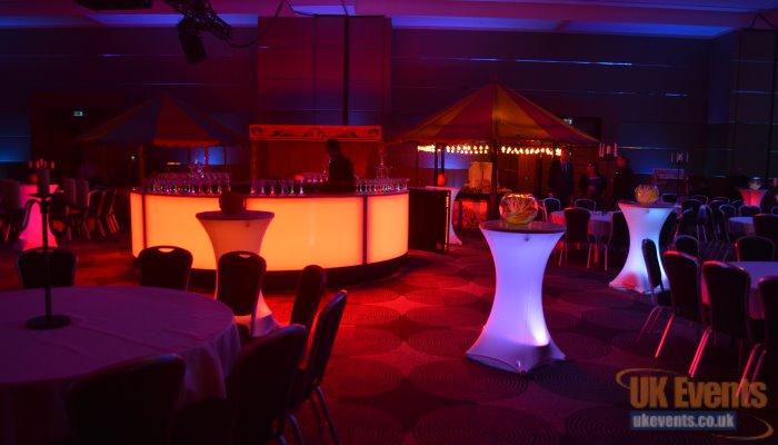 LED vibrant light up poseur tables