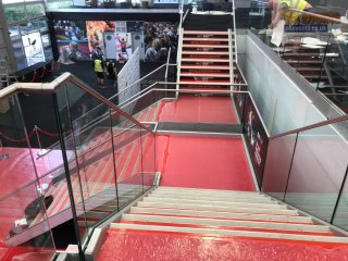 carpeted stairsin red carpet