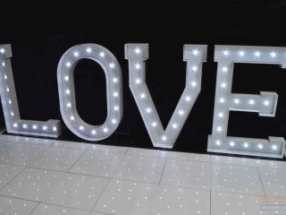 giant weddings letters