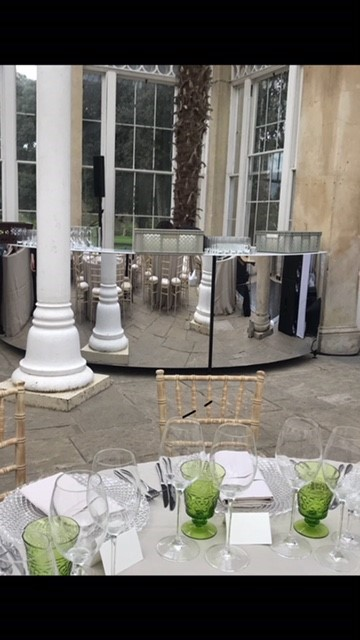 hire a mirrored bar for a wedding