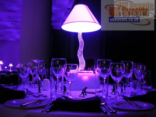 Cobra Lamp Shade Table Centre